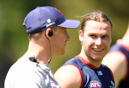 Screenshot_2019-11-18 Melbourne Demons Pictures and Photos - Getty Images.png